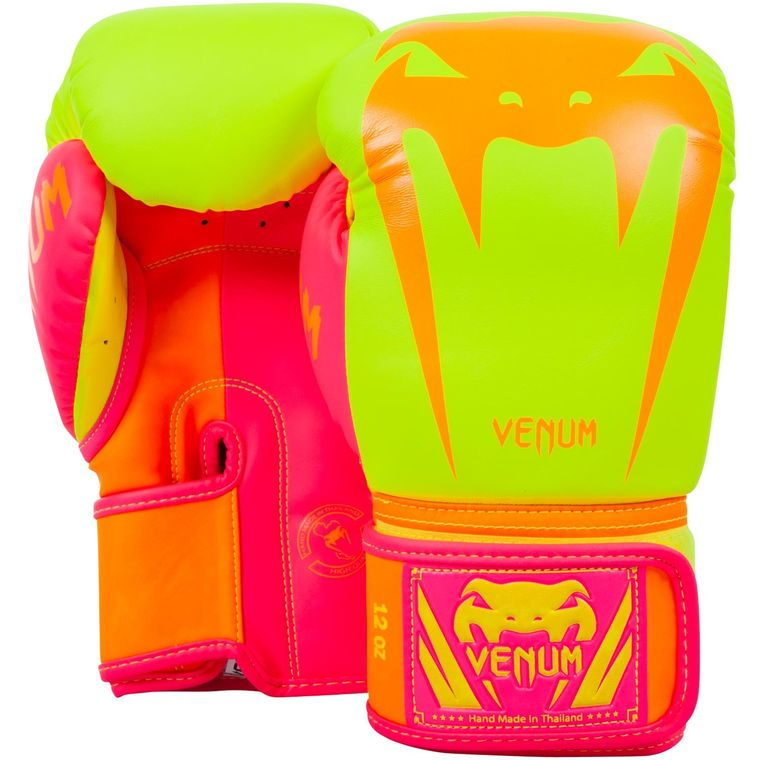 venum-giant-gloves-v3-limited-2